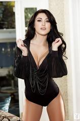 Busty Playmate Stefanie Knight