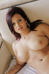 Keisha Grey Shows Off Her Trimmed Cunt