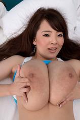Sexy Asian Babe Hitomi