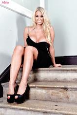 Sexy Blonde Pornstar Cara Brett