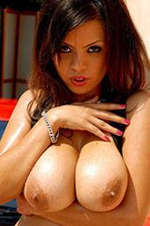 Hot Latina Yurizan Beltran