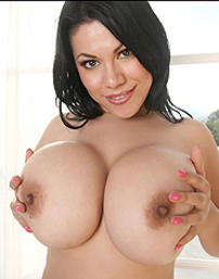 Anarica Busty Pink