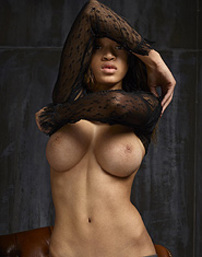 Tyra Black Lace