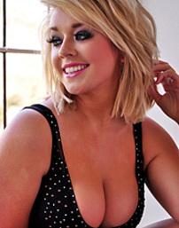 Busty Blonde Teen Melissa
