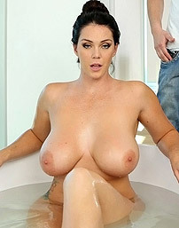Alison Tyler Monster Curves Actiongirls