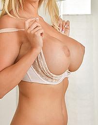 Big Boobed Milf Nikki