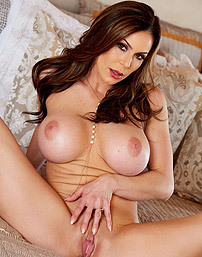 Kendra Lust Exposes Her Body
