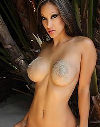 Nude Kira Sand Woman